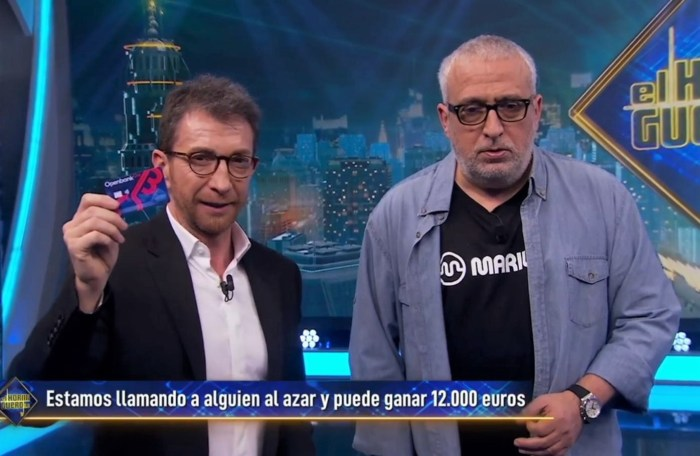 TARJETA DEL HORMIGUERO. Pablo Motos y Leo Harlem, en el momento en que esperaban la respuesta ganadora a su llamada.