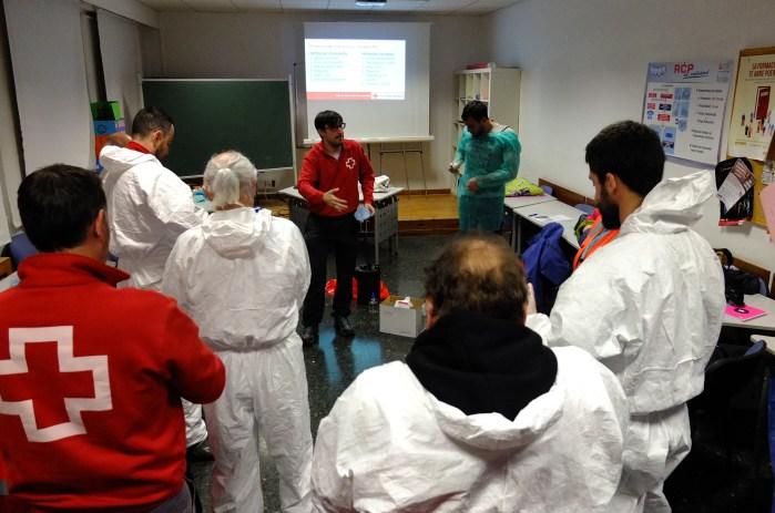 FORMACIÓN. Talleres impartidos a voluntarios -ahora ya, la formación es online-. (FOTO: Cruz Roja Huesca)