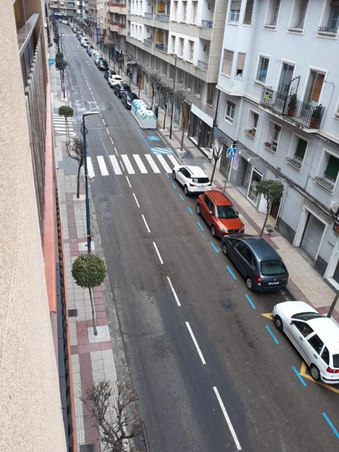 SABIÑÁNIGO. La calle Serrablo presenta una imagen muy poco habitual.