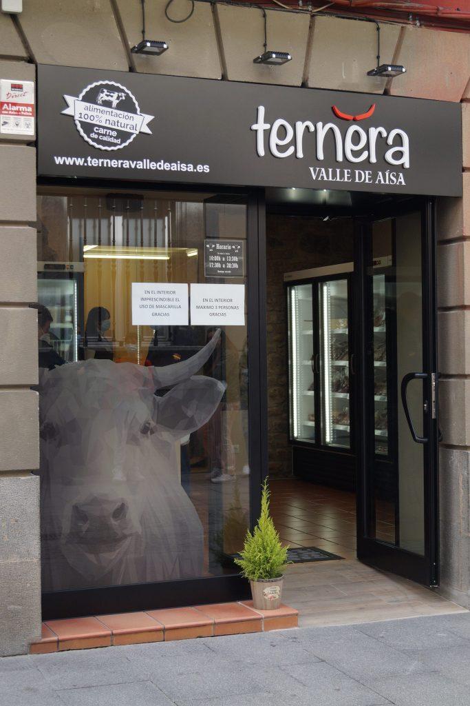 NUEVO ESTABLECIMIENTO. La nueva tienda de Ternera del Valle de Aísa está en la Calle del Obispo, 8 de Jaca. (FOTO: Rebeca Ruiz)