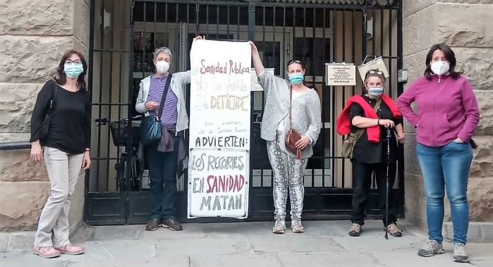 CONCENTRACIONES. Todos los lunes,concentración en defensa de la sanidad pública de calidad en Jaca.