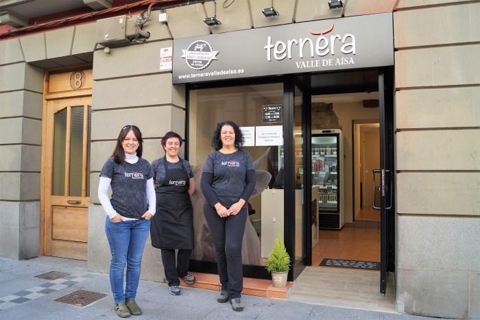 COOPERATIVA: Ternera del Valle de Aísa está formada por Inma Lafita, Beatriz García y Leticia García. (FOTO: Rebeca Ruiz)