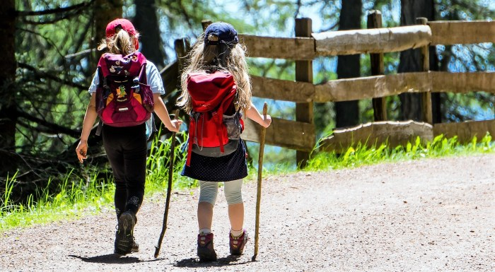 COVID-19. Los menores de 14 años no podrán acudir a campamentos este verano.