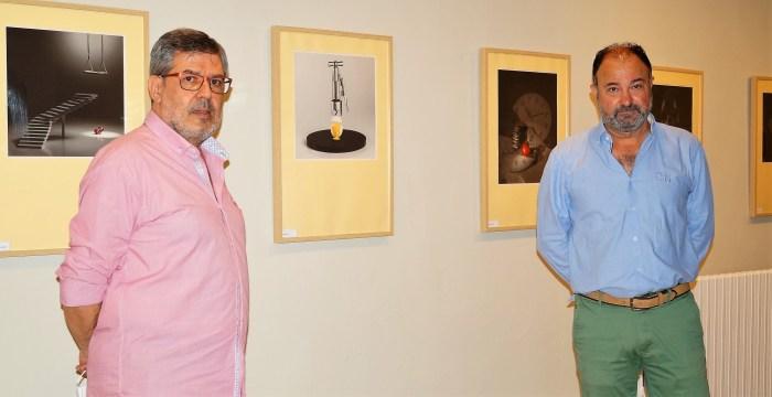 SALA BURNAO. Jaime de Prado y Francisco Rubio, durante la inauguración. (FOTO: Rebeca Ruiz)