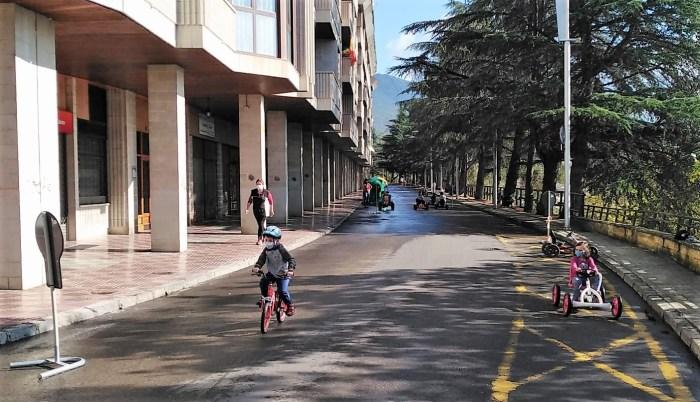 Karts y bicis, en lugar de coches. (FOTO: Logic Move)