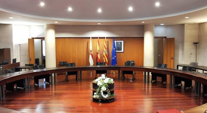 Salón de Plenos de la DPH, donde mañana se dará luz verde al nuevo plan para que los ayuntamientos puedan realizar inversiones en todos sus municipios. (FOTO: DPH)