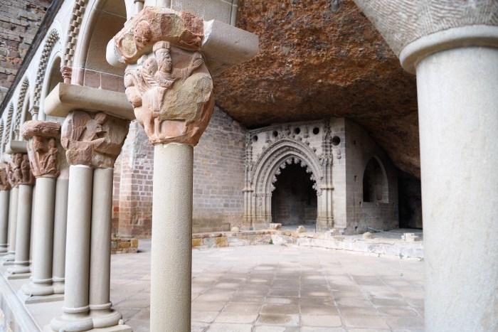 Monasterio Viejo de San Juan de la Peña, donde se custodió durante tres siglos el grial que se conserva en la Catedral de Valencia . (FOTO: Rebeca Ruiz)