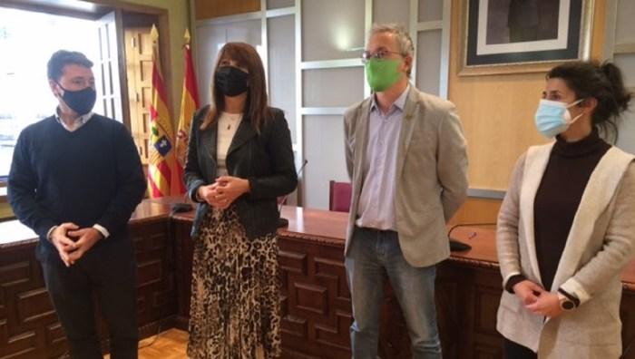 Un momento de la visita a Jaca en el marco del proyecto Huesca, Turismo Inteligente e Innovador. (FOTO: DPH)