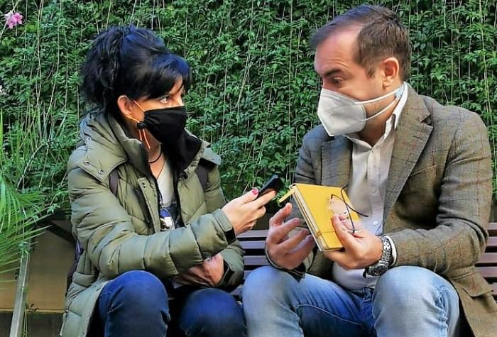 Un momento de la entrevista con Javier Sierra. (FOTO: Fran Contreras)