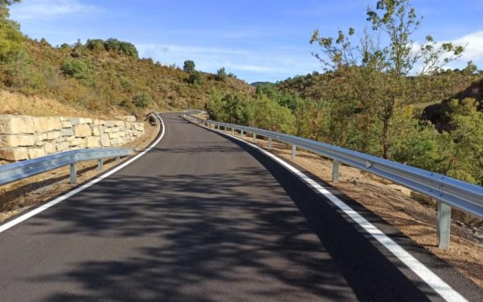 Carretera A-1205, entre Bernués y el cruce de Javierrelatre. (FOTO: Gobierno de Aragón)