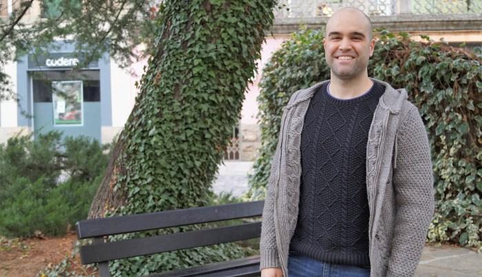 Adrián Betrán es el autor de un novedoso proyecto para visibilizar la despoblación en Aragón. (FOTO: Rebeca Ruiz)
