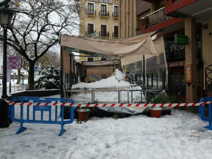 Consecuencias de la nevada en Jaca. (FOTO: Servicio de Emergencias del Ayuntamiento de Jaca)