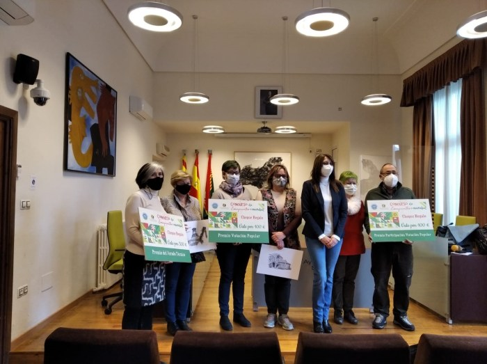 Entrega de premios del Concurso de Escaparates Navideños de la AEPAG