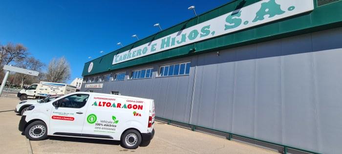 Supermercados Altoaragón sigue apostando por el medio ambiente con un vehículo 100% eléctrico