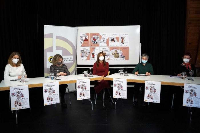 De izquierda a derecha, Lidia Ferrer, Marisa Morillo, Berta Fernández, María Jesús Acín y Pilara Piedrafita, en la presentación de los actos del 8-M, bajo el lema Mujeres que lo hicieron posible. (FOTO: Rebeca Ruiz)