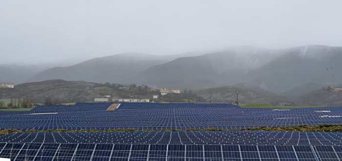 Fotomontaje difundido por la Plataforma en Defensa de La Jacetania y el Alto Gállego ante la Amenaza de Grandes Parques Fotovoltaicos.