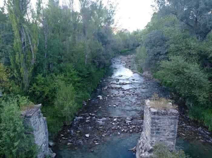 Sabiñánigo, donde se encuentran los ríos. Río Gállego.