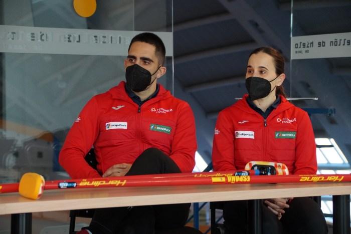 Los campeones de España de Curling Mikel Unanue y Oihane Otaegi. (FOTO: Rebeca Ruiz)
