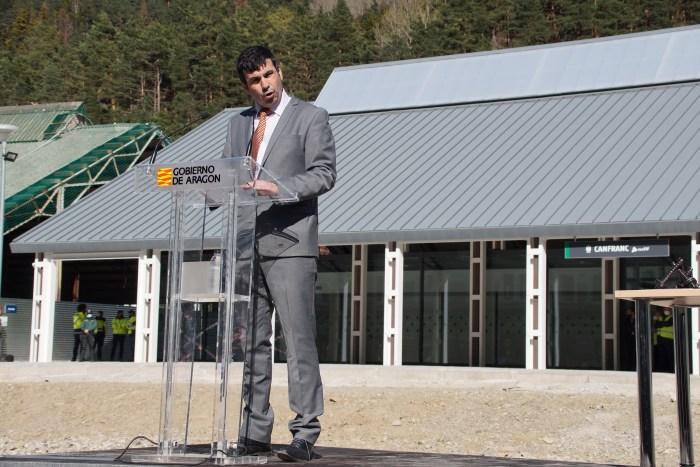 Fernando Sánchez, alcalde de Canfranc. Canfranc y España unen su futuro al reto histórico de la nueva estación. (FOTO: Rebeca Ruiz)