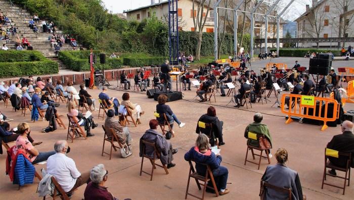 Ya se puede disfrutar del concierto de San Jorge de la Banda de Música Santa Orosia de Jaca. (FOTO: Rebeca Ruiz)