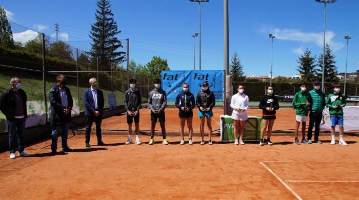 Entrega de premios del Campeonato de Aragón de Tenis Cadete en PyreneSport. (FOTO: Rebeca Ruiz)