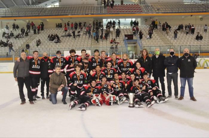 El CHJaca se proclama campeón de la Liga Sub 18 de Hockey Hielo. (FOTO: Club Hielo Jaca)