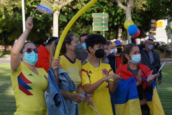 """Los colombianos de Jaca piden """"paz y justicia"""" ante la grave situación que se vive en su país"""