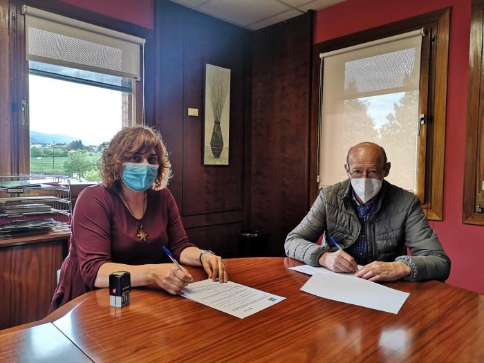 Cruz Roja y la Comarca de la Jacetania renuevan su convenio para atender a los más vulnerables. (FOTO: Comarca de la Jacetania)