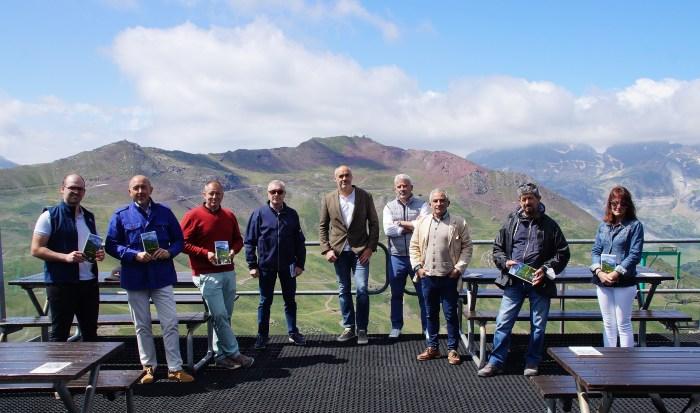 De izq. a dcha., Sáez, Bandrés, Pantoja, López Brea, Terrén, Blanco, Rina, Serrano y González. (FOTO: Rebeca Ruiz)