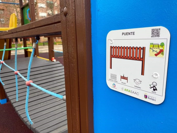 El PAR propone medidas de accesibilidad cognitiva en los espacios públicos de Jaca y La Jacetania, como la instalación de carteles como los que aparecen en la imagen. (FOTO: PAR)
