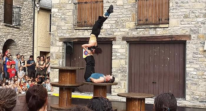 El Jacetania Circus Festival vuelve a Villanúa. En la imagen, de archivo, una actuación del festival.
