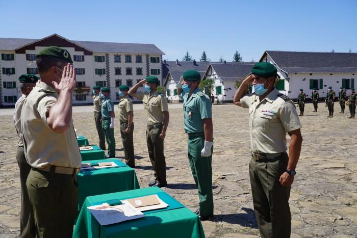 La Escuela Militar de Montaña y Operaciones Especiales de Jaca clausura sus cursos 2020/21