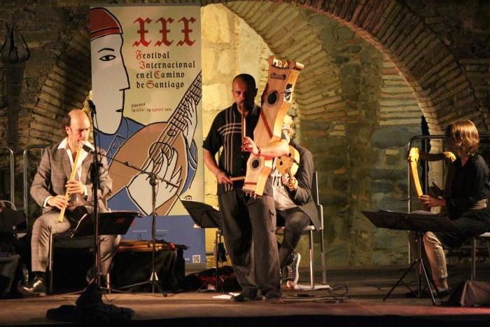 Brillante actuación de Carlos Núñez en Jaca, en el 800 aniversario de Alfonso X El Sabio