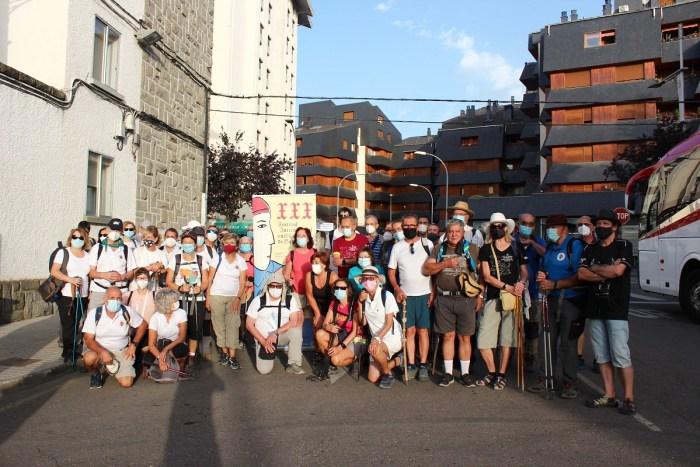 Una carta para Gabriela, La Chaminera y la etapa Jaca-Santa Cruz de la Serós protagonizan el FICS. En la imagen, los participantes en la etapa. (FOTO: María Navas)