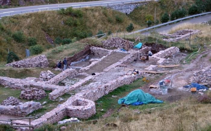Nuevas excavaciones arqueológicas rescatan la memoria de Santa Cristina y del Camino Francés. (FOTO: Gobierno de Aragón/José Luis Ona)