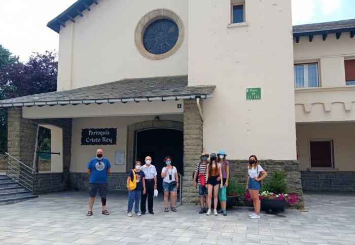 Exprimir el agosto en Sabiñánigo en familia. Visitas guiadas. (FOTO: Oficina de Turismo de Sabiñánigo)