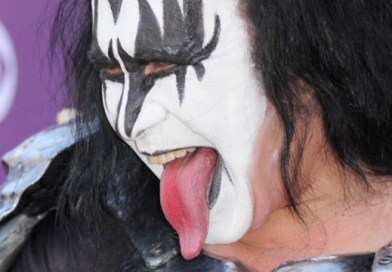 A Girl Who Can Lick Her Own Eye Puts Gene Simmons To Shame
