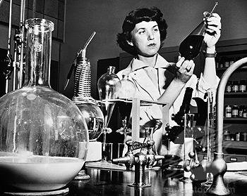 https://i2.wp.com/jackalopebrew.com/wp-content/uploads/2018/10/womanchemist.jpg?fit=350%2C279&ssl=1