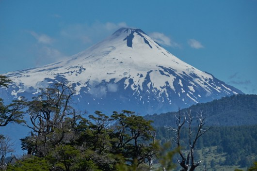 P.N.Huerquehue_vue_sur_volcan_villarrica