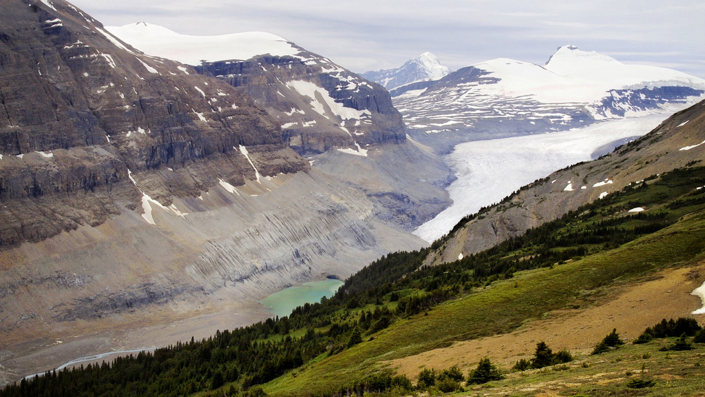 Parker Ridge, Why It's Our Favorite Hike in the Canadian Rockies