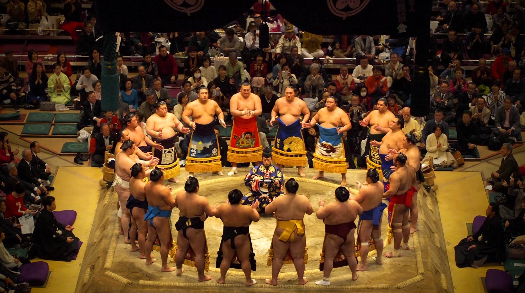 The Makuuchi (top division) ring entering ceremony
