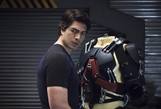 "DC's Legends of Tomorrow -- ""Blood Ties"" -- Image LGN103A_0010b.jpg -- Pictured: Brandon Routh as Ray Palmer/Atom -- Photo: Cate Cameron/The CW -- © 2016 The CW Network, LLC. All Rights Reserved"