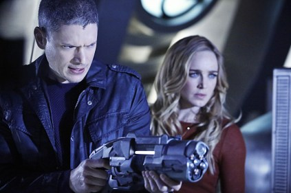 "DC's Legends of Tomorrow -- ""Marooned"" -- Image LGN107A_0016b.jpg -- Pictured (L-R): Wentworth Miller as Leonard Snart/Captain Cold and Caity Lotz as Sara Lance/White Canary -- Photo: Bettina Strauss/The CW -- © 2016 The CW Network, LLC. All Rights Reserved."