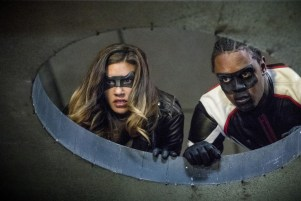 """Arrow -- """"Honor Thy Fathers"""" -- Image AR521b_0171b.jpg -- Pictured (L-R): Juliana Harkavy as Tina Boland/Dinah Drake and Echo Kellum as Curtis Holt/Mr.Terrific -- Photo: Jack Rowand/The CW -- © 2017 The CW Network, LLC. All Rights Reserved."""