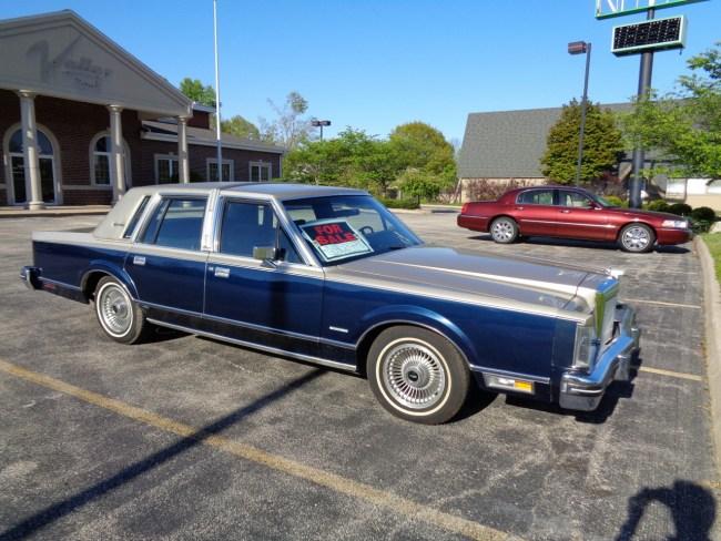 1981 Lincoln Town Car Signature De Continentaled Riverside Green
