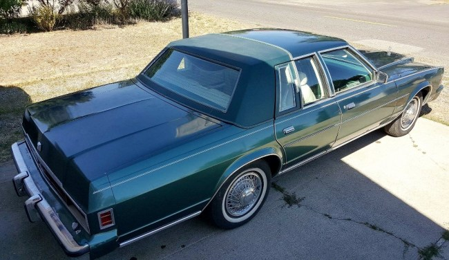 1979 Chrysler New Yorker: Green Goddess - Riverside Green