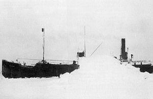 Baychimo in ice.jpg