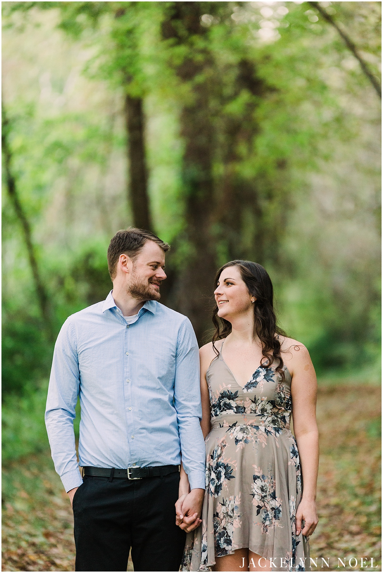 Danika & Joe engagement session at Fort Bell Fontaine by Jackelynn Noel Photography