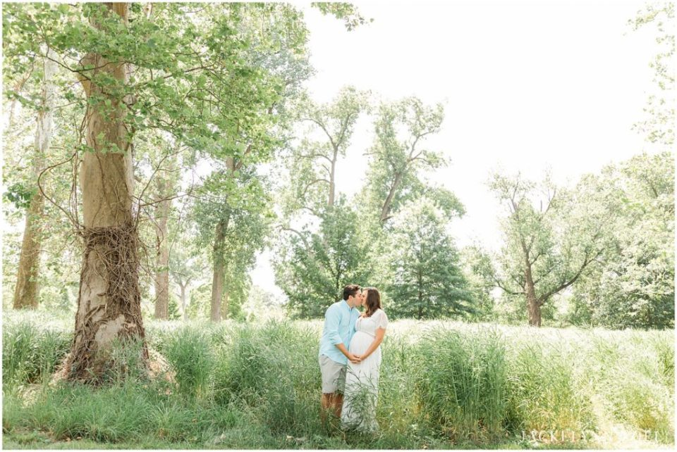 Couples Maternity pose idea for maternity photography session taken at St. Louis Forest Park by Jackelynn Noel Photography | St. Louis Photographer