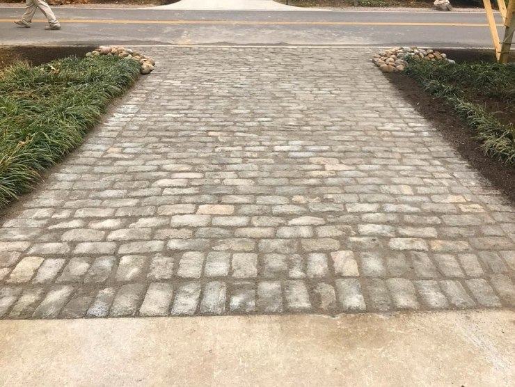 custom paver driveway